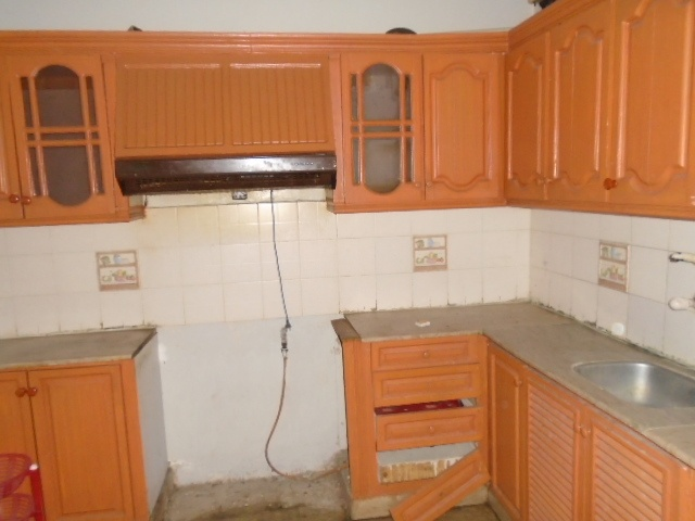 Clifton block 5 (town house) ground floor 1800 sqft available for rent
